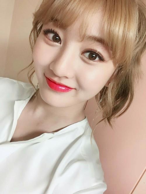 twice-jihyo-blonde