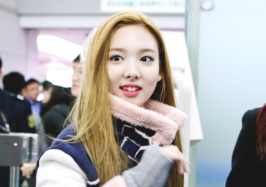 twice-nayeon-blonde