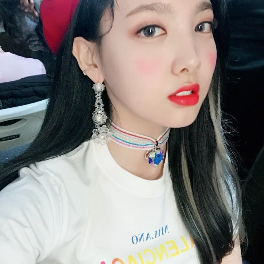 twice-nayeon-cute