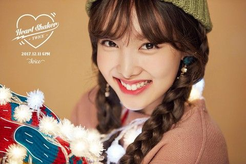 twice-nayeon-heartshaker