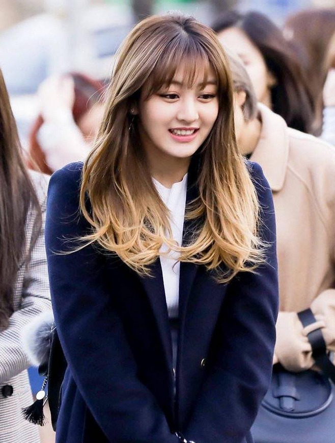 twice-jihyo-20170315