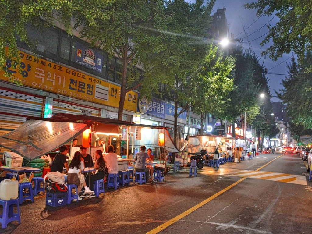 korean-road-foodshop
