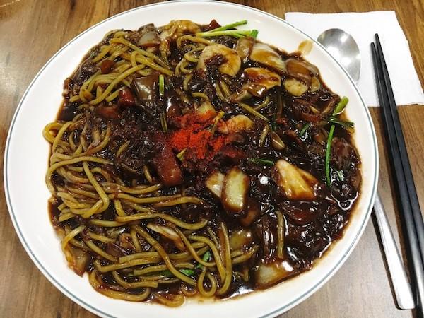 クムボソン-ジャージャー麺