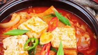 韓国料理キムチチゲの驚くべき美容効果!シメのツウな食べ方も紹介